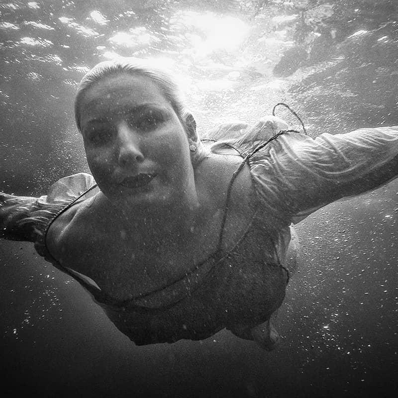 feat-jenny-underwater